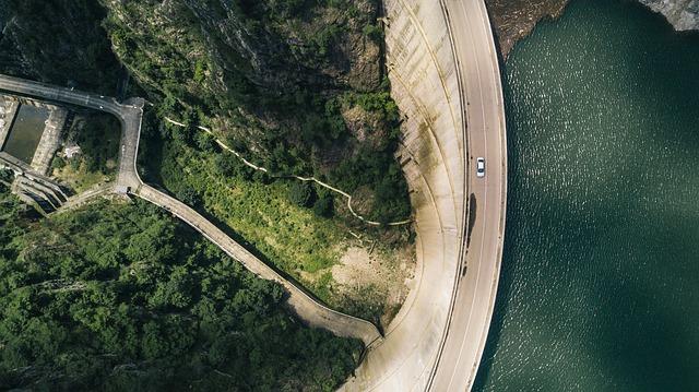 silnice u moře