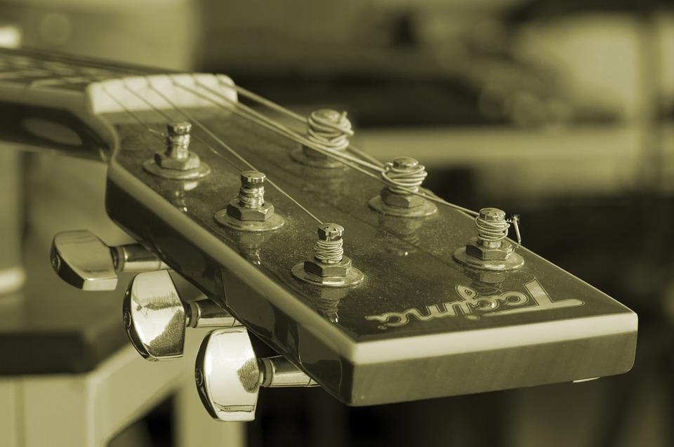 laděná kytary